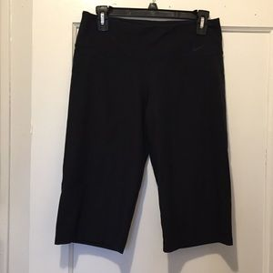 Dri-fit cropped Nike bottoms